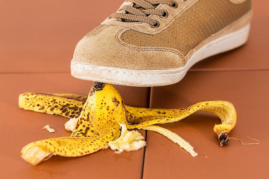 Kurz vor'm Tritt auf eine Bananenschale