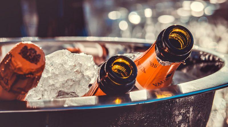 Champagner-Flaschen auf Eis